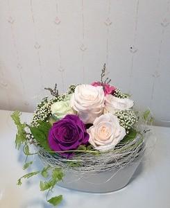 プリザーブドフラワーの花言葉、紫のバラの花言葉しってる?