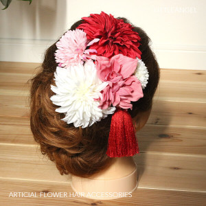 和スタイル赤とピンクの髪かざり